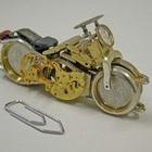 Saat parçalarından motosiklet…
